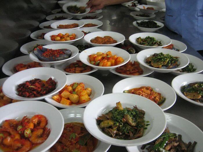 A scăzut TVA la alimente! Mâncăm ieftin și mult iar occidentalii se vor muta în România…