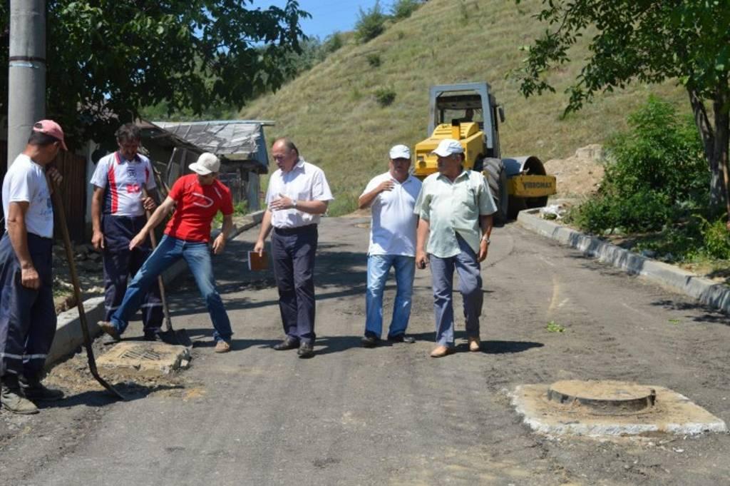 Primăria anunță programul de asfaltări din Piatra Neamț! Și pe facebook!