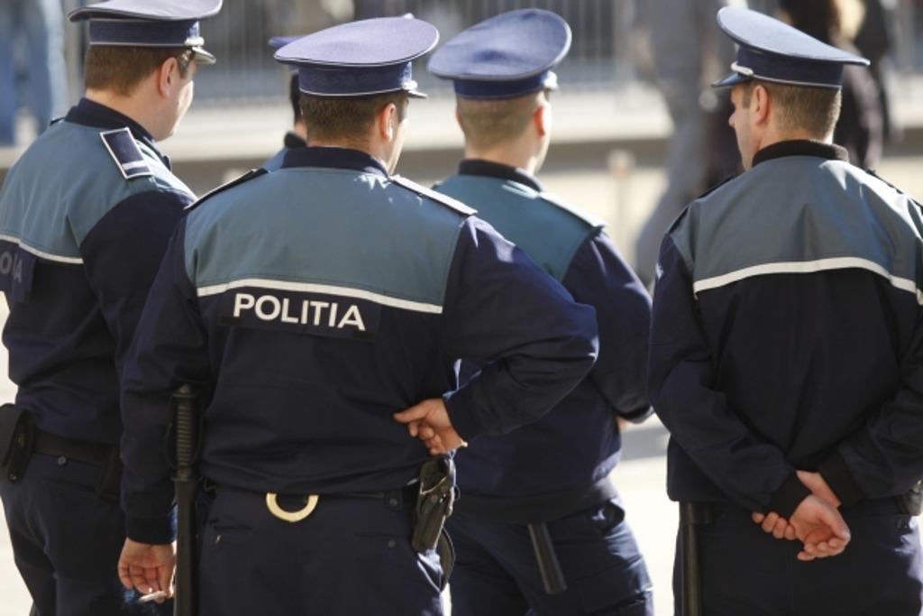 Polițiștii nemțeni au descins de sărbători la obiectivele care operează cu valori