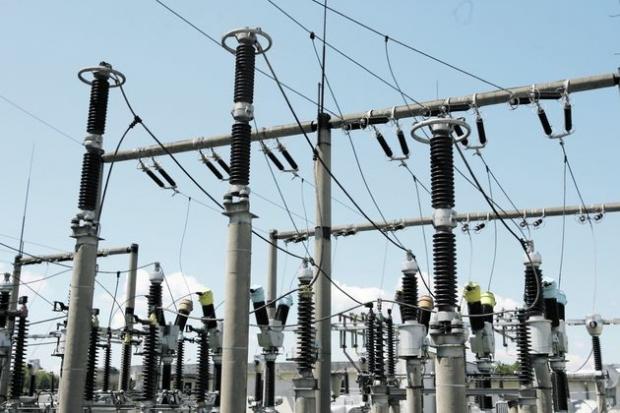Aproape 22.000 familii din Neamț nu au energie electrică din cauza furtunii! Lista celor 37 de localități!