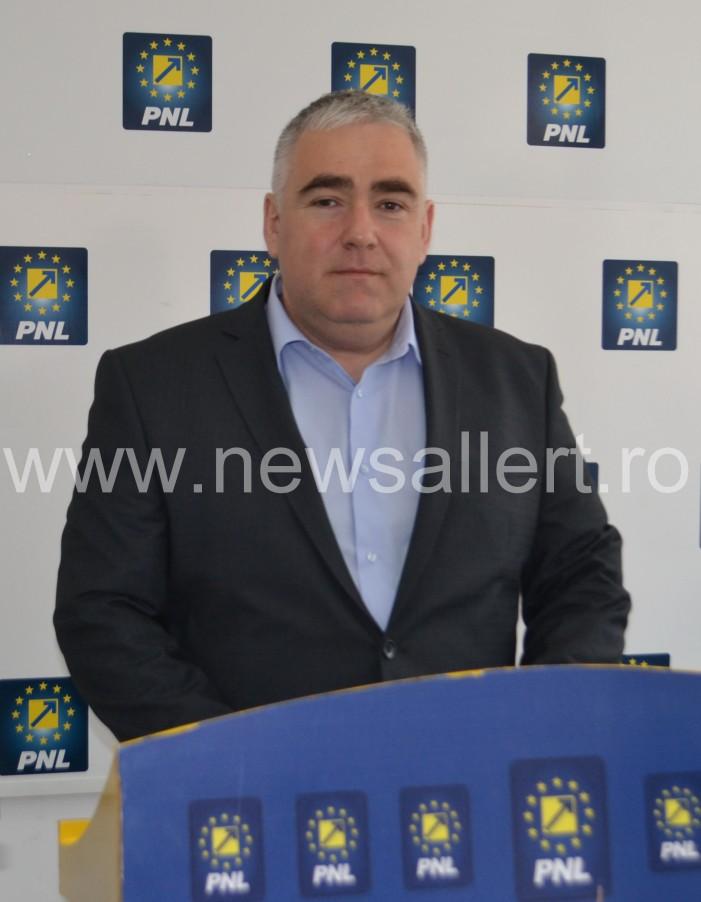 ALERTĂ!! Ex-deputatul Vlad Marcoci, implicat într-un grav accident! A intrat cu maşina în stâlp!