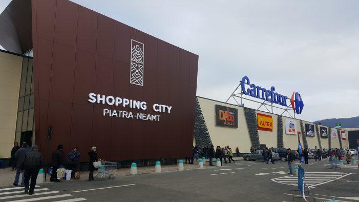 Inaugurarea Shopping City Piatra Neamț, în dispreț față de Ziua Națională a României!