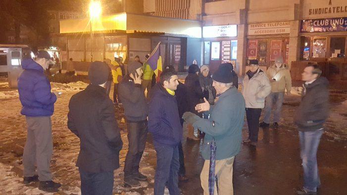 """Protestele de la Piatra Neamț – """"case closed""""! Nici 20 de oameni nu au mai ieşit sâmbătă în stradă!"""
