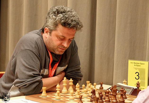 Un pietrean, pe locul 10 la un puternic turneu de internațional de șah cu 216 jucători!