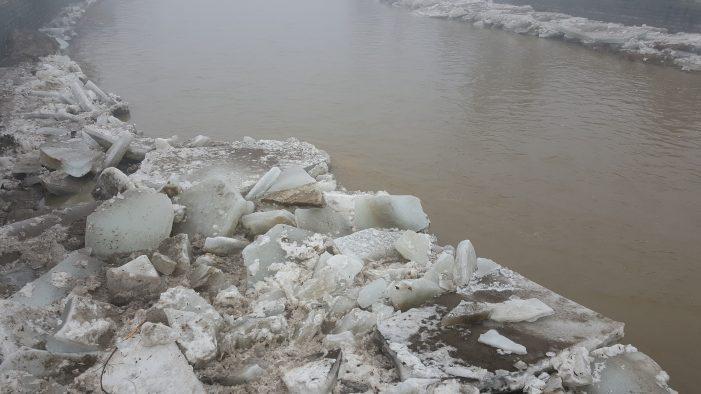 ISU Neamţ – Alertă de inundaţii pe Valea Bistriţei! Gospodării evacuate! În 2002, o situaţie similară a condus la un dezastru!