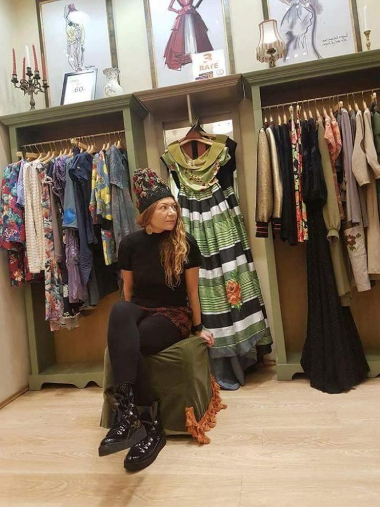 """O celebră creatoare de modă vine, duminică, la magazinul """"Atypique"""" Piatra Neamț"""