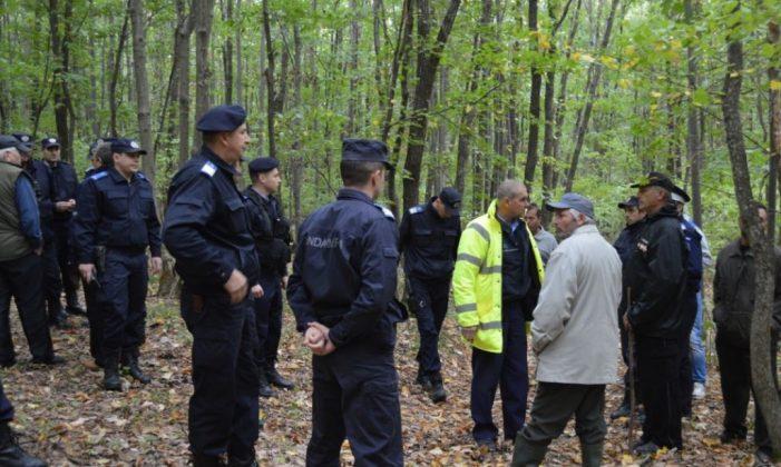 O adolescentă a fost căutată 3 ore de polițiștii nemțeni în pădure, prin întuneric! Fugise de lânga mama ei după ce s-a certat cu ea!