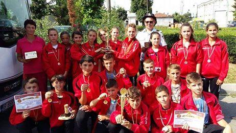 Apel către autorităţi! Ajutaţi copiii din Brusturi să reprezinte România la Competiţia Internaţională a Tinerilor Pompieri!
