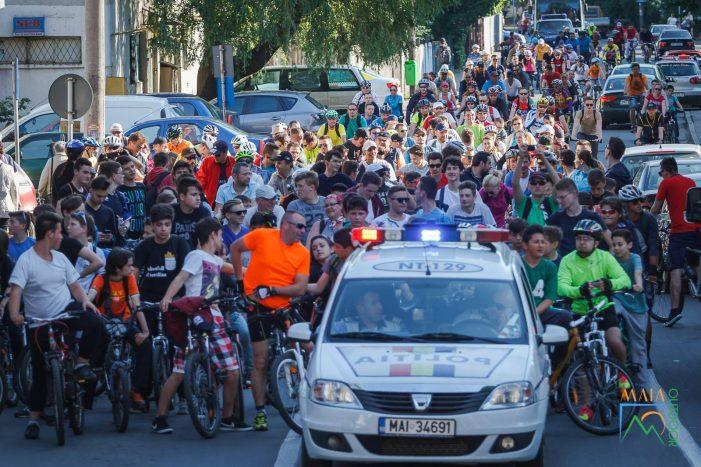 Vineri, o nouă ediție Masa Critică! Prefectul Panaite și-a pregătit bicicleta!