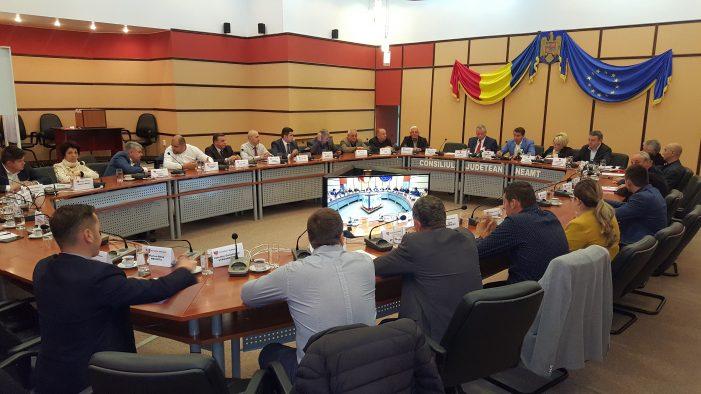 """Consilierii PNL, cu tema neînvățată la ședința Consiliului Județean! Arsene: """"Lăsați gargara politică, haideți să facem mai multe pentru cetățeni!"""""""