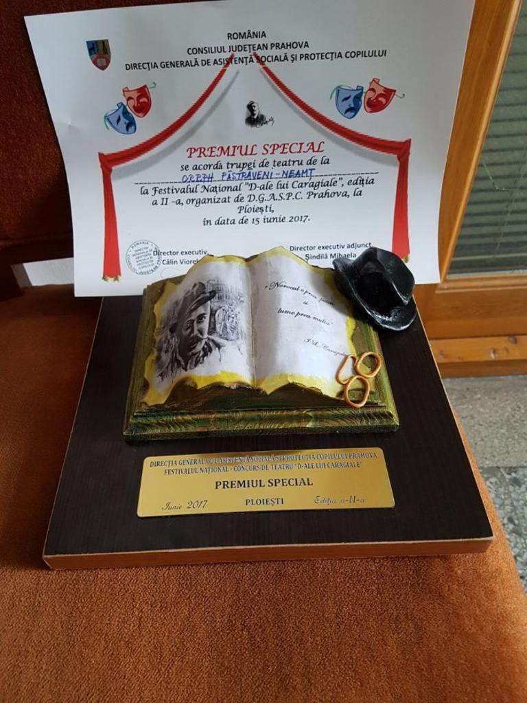 """Trupa de teatru a Centrului Păstrăveni – premiul special la Festivalul Național """"I.L. Caragiale"""" Ploiești"""