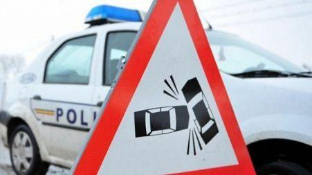 Patru turiști germani, răniți ușor după ce autocarul lor s-a ciocnit cu un TIR la Pângărați