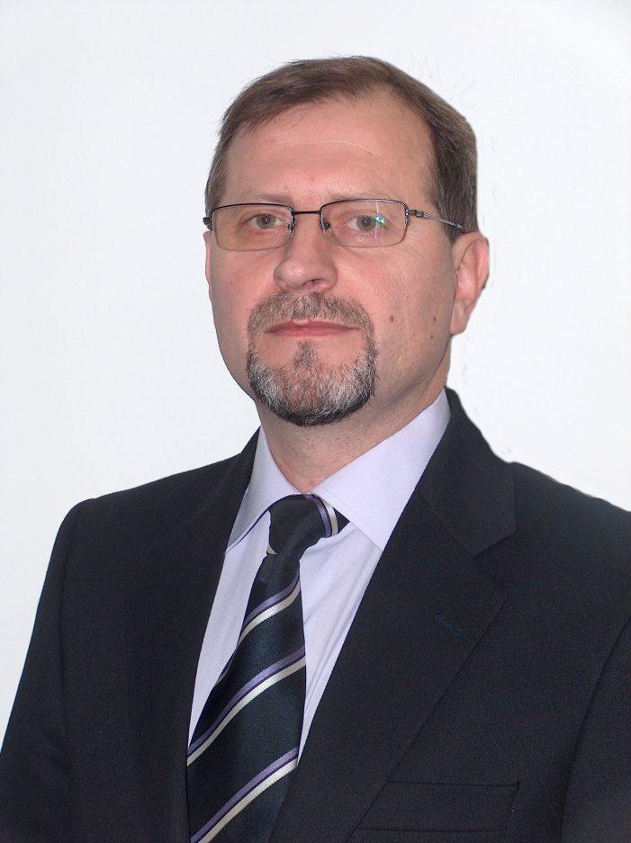 Președintele Iohannis a numit director la STS un general născut la Săvinești