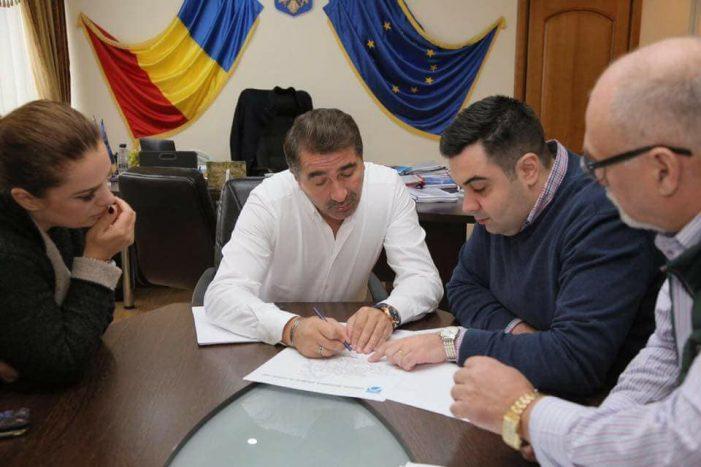 Ministrul Transporturilor, promisiuni de investiții pe drumurile naționale din Neamț