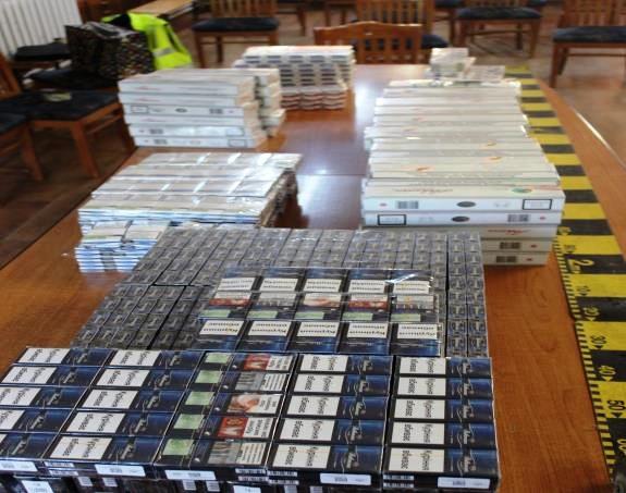 Roznoveancă prinsă la Piatra-Neamț cu țigări de contrabandă