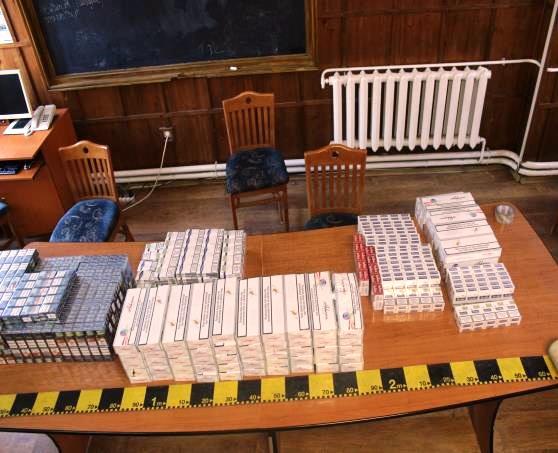 Tânăr din Piatra-Neamț, prins cu 250 pachete de țigări de contrabandă