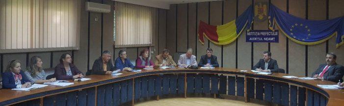 Prefectul Panaite a stins pentru moment protestele sindicatelor din învățământul nemțean