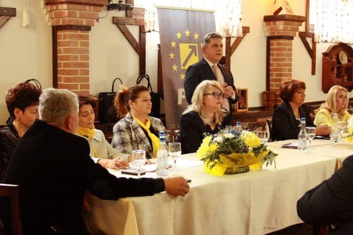 A fost aleasă conducerea organizației de femei a PNL Neamț