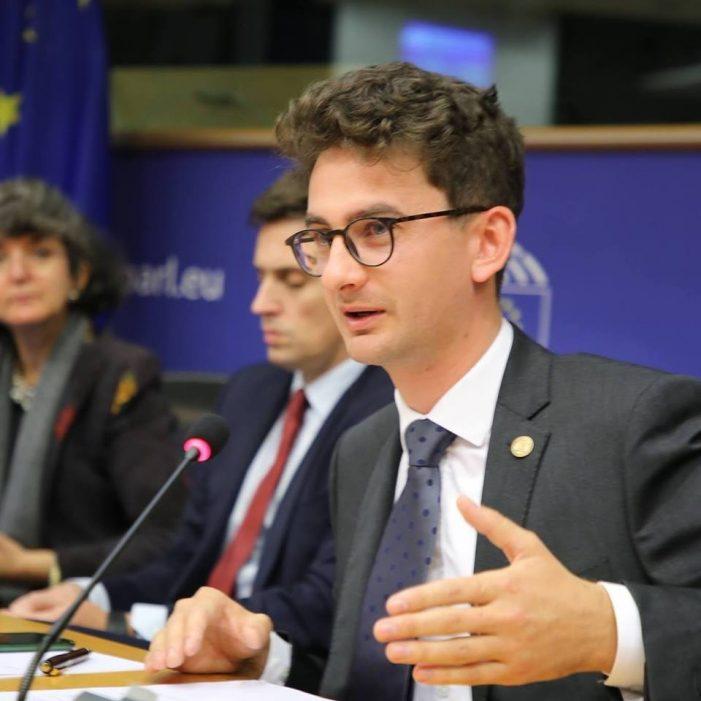 Deputatul USR Iulian Bulai vrea suspendarea titlului de cetățean de onoare al Romanului pentru doctorul Lucan